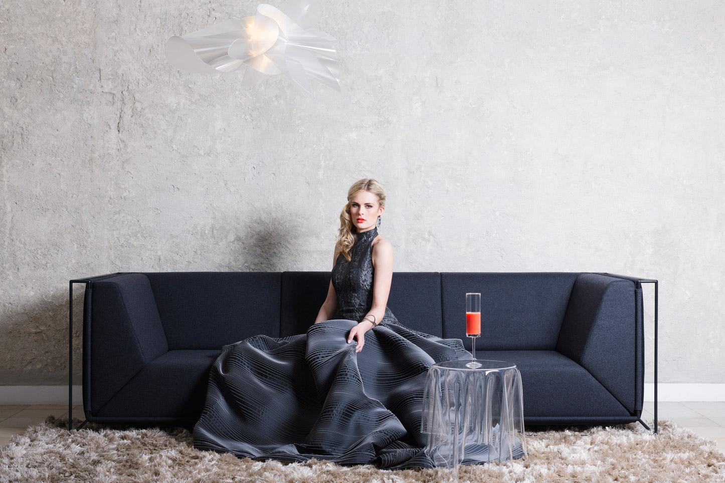 Andrea Droemont Modedesign-Fashion meets Furniture-Titelshooting-005