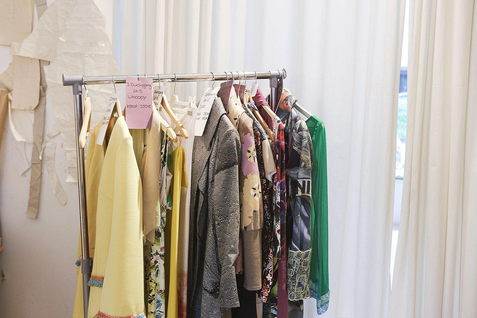 Fashion Meets Furniture Ii Handgemachte Mode Aus Koln