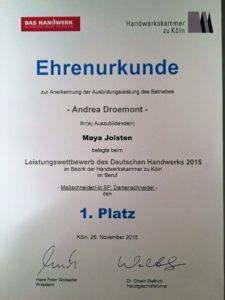 Gesellin Maya Joisten erster Platz Leistungswettbewerb des deutschen Handwerks als Maßschneiderin