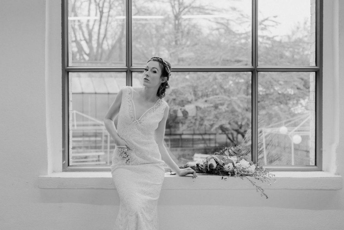 Brautkleid mit Tasche